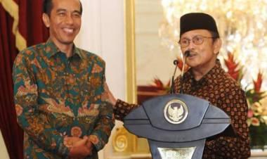 Testimoni B.J. Habibie mengenai Presiden Jokowi dalam buku Menuju Cahaya