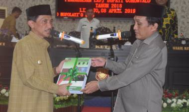 Bupati Nelson Pomalingo Serahkan LKPJ 2018 Di Serahkan Di DPRD