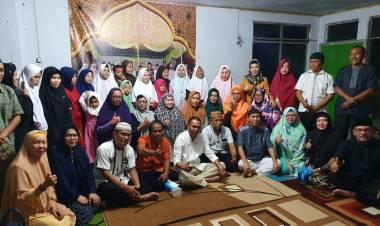 Ketua Ikatan Alumni SMAN 1 Limboto Dr. Rustam Hs Akili Lakukan Buka Puasa Bersama Anak Yatim