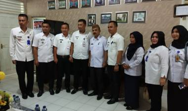 Pemerintah Kelurahan Se Kotamobagu Studi Komparasi Di Kabupaten Gorontalo