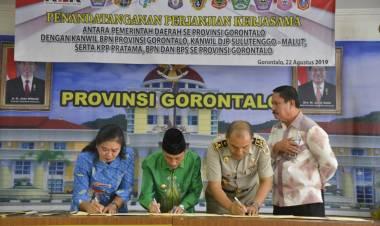 Di Saksikan Wakil Ketua KPK, Bupati Nelson Tanda tanganani Perjanjian Kerjasama Dengan Badan Pertanahan Nasional