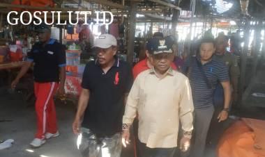 Tinjau Pasar Minggu Tilamuta, Darwis Janji Segera Benahi