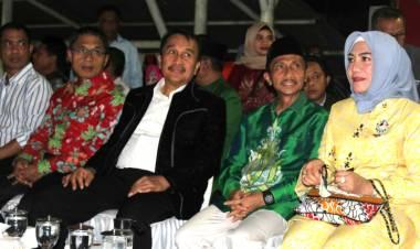 """""""Meriah"""" Malam puncak Titian Muhibah Budaya 2020 Dipadati Ribuan Warga"""