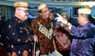 Wakil Gubernur Gorontalo H. Idris Rahim Memimpin Rapat Evaluasi Penyerapan Anggaran