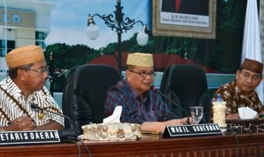 Idris Rahim : Ingatkat 19 OPD Yang Hanya Mengirim Wakil Wakil Dalam Penandatanganan Kontrak Kinerja