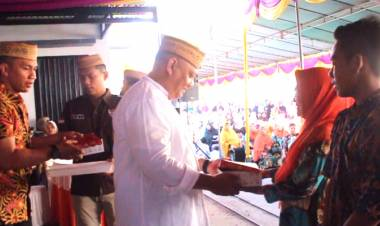 Gubernur Gorontalo Mengajak Yang Memiliki Kelebihan Rizki Untuk Berbagi Dalam Jum'at Berkah