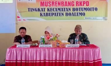 Asisten II Boalemo, Roswita Manto : Harap hasil dari Musrenbang benar - benar Menjadi Skala Prioritas Dalam Desa.