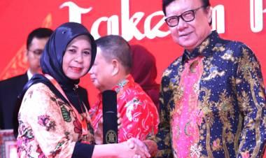 Pemerintah Kabupaten Gorontalo Terima Piagam Penghargaan Dari Menteri PAN-RB