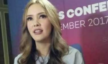 Cathy Sharon Mengaku Prihatin Dengan Kondisi Ibu Kota Jakarta Dilanda Banjir