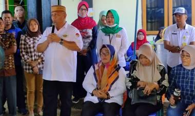 Gubernur Gorontalo Serahkan Bantuan Dilima  Desa Korban Banjir Bolangitang Timur Kabupaten Bolmong Utara
