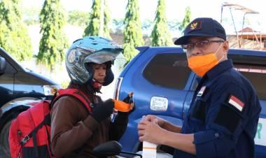 Sofyan Puhi Bagi-bagi Masker di 25 Titik se Provinsi Gorontalo