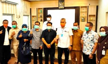 Bantuan Rachmat Gobel Untuk Para Medis Diserahkan Pada Direktur RSU M.Dunda