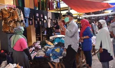 Datangi Pasar Wonggahu, Anas Jusuf : Pedangang Harus Menyediakan Tempat Cuci Tangan