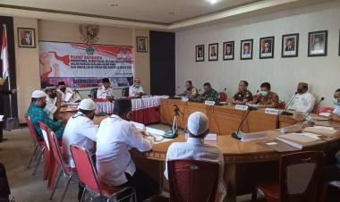Sholat Ied Dilapangan, Bupati Darwis Moridu : Harus Sesuai Protokol Kesehatan