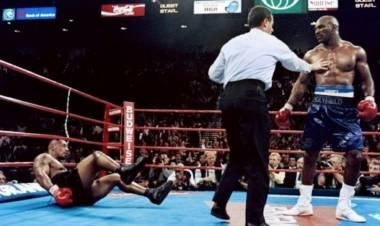 Holyfield Bongkar Kunci TKO-kan Mike Tyson