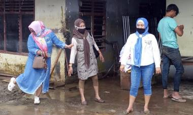 Lumpur Dan Hujan Tak Hentikan Langkah DPD-REI Gorontalo Ringankan Korban Dampak Banjir