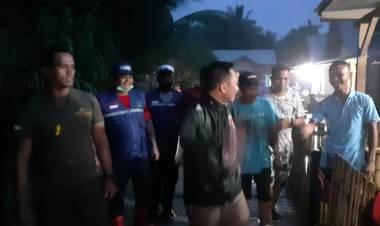 Aleg Wahyudin Moridu Bersama WCM Salurkan Bantuan Korban Banjir