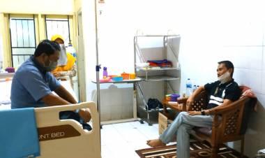 Bupati Gorontalo Nelson Pomalingo Jenguk Dr. Rusli Abdurrahman Idji Di RS. MM. Dunda Limboto