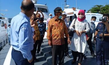 Pemkab Boalemo Menerima Bantuan Kapal Pengawas Dari Kementerian