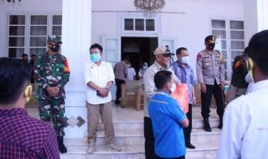 Danrem 133/Nani Wartabone Ikut Melepas Mahasiswa Dalam Misi Penanggulangan Covid-19 di Provinsi Gorontalo