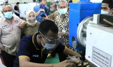 Gubernur Gorontalo Rusli Habibie Studi Komparasi Pengelolaan BLK di Lembang dan Bandung