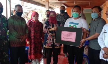 PTA Gorontalo Berikan Donasi Pada Korban kebakaran