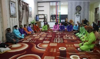 Pemkab Gorut Gelar Prosesi Adat Tonggeyamo