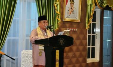 Demi Mencegah Penyebaran Covid 19, Wagub Gorontalo Bersama Keluarga Salat Idulfitri di Rujab