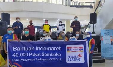 Peduli Warga Terdampak Covid-19, Indomaret Bagikan Ratusan Paket Sembako
