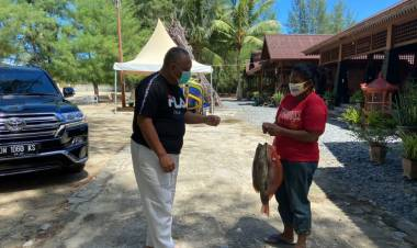 Cash ! Goropa Hasil Tangkapan Nelayan Dibayar Gubernur Rusli