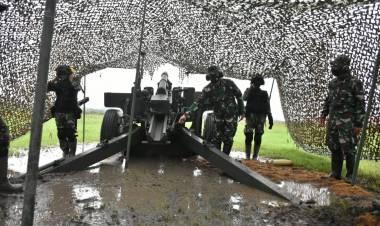 Kasdam XIII/Mdk Tinjau Latihan Menembak Senjata Berat Yon Armed 19/105 Tarik Bogani