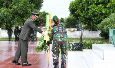 Peringati HUT TNI Ke -76, Danrem 133/NW Pimpin Ziarah Nasional di Taman Makam Pahlawan