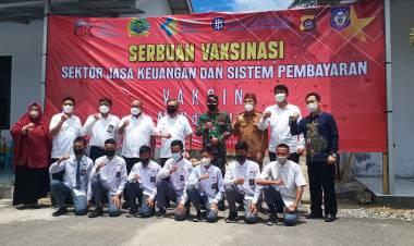 Ketua OJK Apresiasi Kiat Serbuan Vaksinasi Korem 133/NW Terhadap Warga