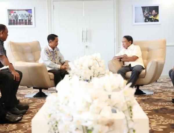 Bupati Nelson Pomalingo Temui Menpora Sampaikan Keinginan Rakyat Gorontalo