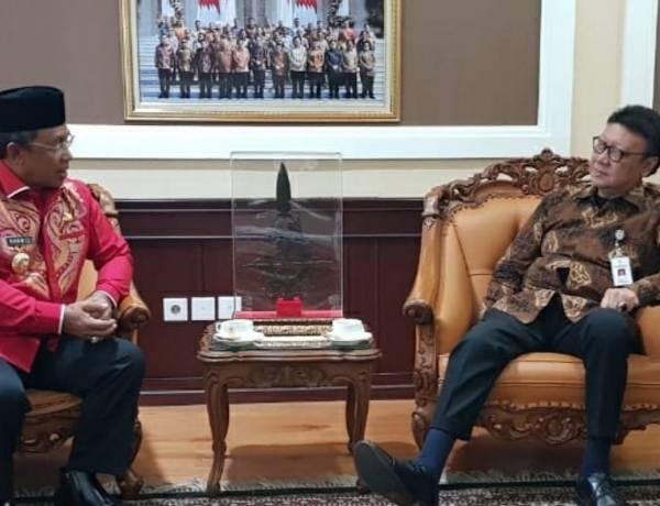 Bupati Boalemo Disambut Hangat Mentri PAN RB Di Jakarta