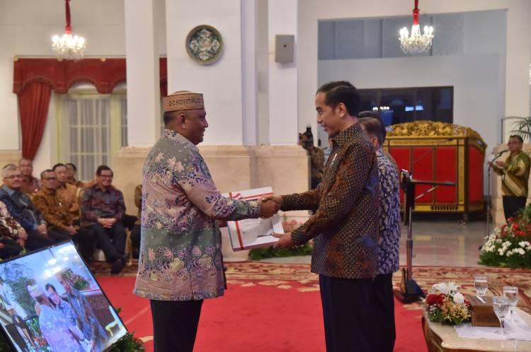 Rusli Habibie Menerima DIPA 2019 Dari Presiden RI Joko Widodo