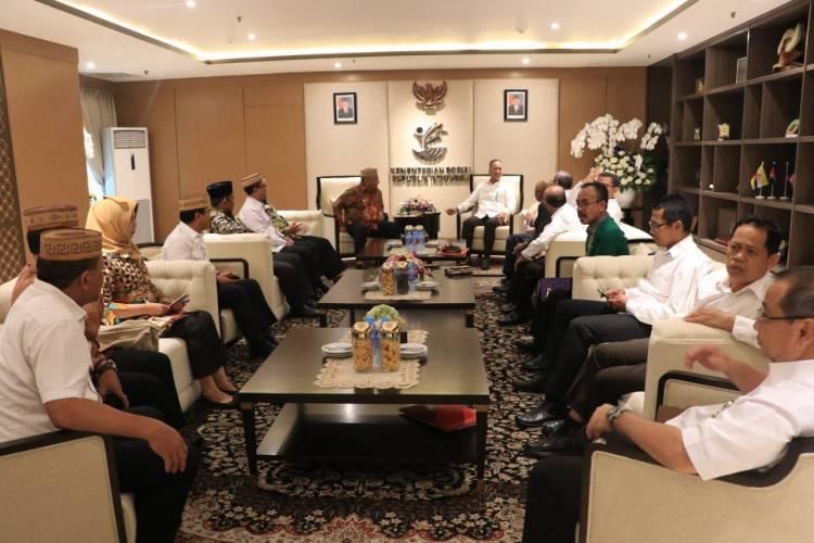 Gubernur Gorontalo Rusli Habibie Bersama Bupati dan Wali Kota untuk bertemu Menteri