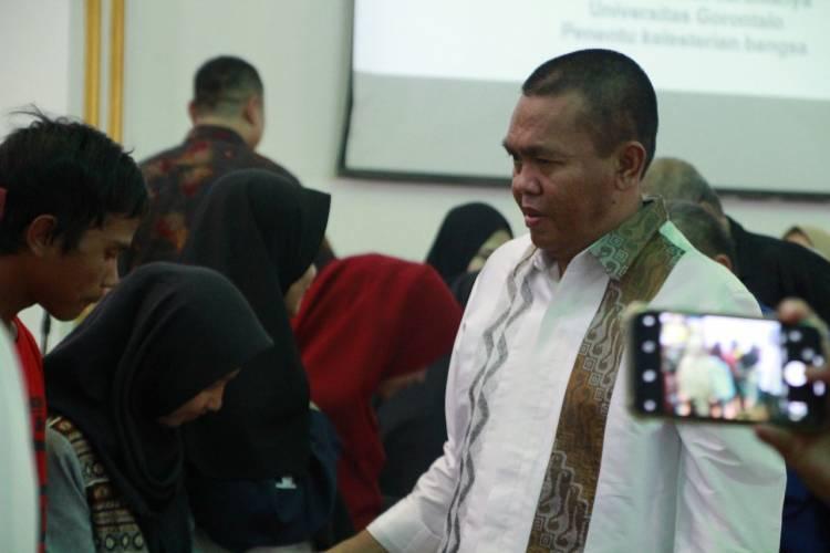 Momentum Yudisium Tahun 2019 Menjadi Special Bagi Dr. Rustam Akili