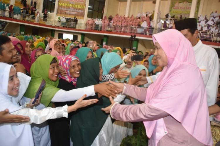 Mamah Dedeh Hipnotis Ribuan Majelis Taklim Di Gorontalo