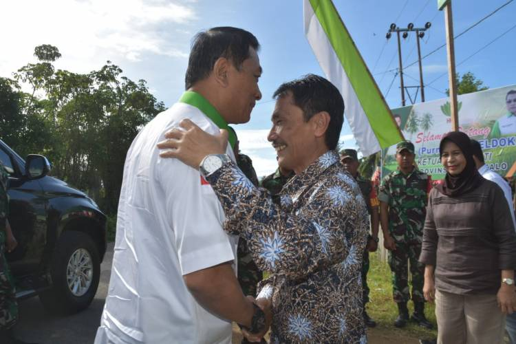 Bupati Nelson Pomalingo  Gagas Poli Tani Di Kabupaten Gorontalo