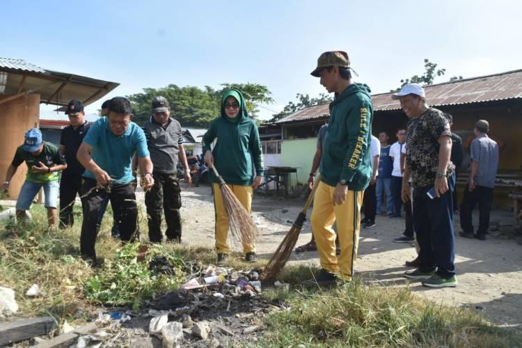Bupati Nelson Pomalingo Instrusikan Pada Camat Dan Lurah/Kades  Serta OPD  Terkait  Sampah