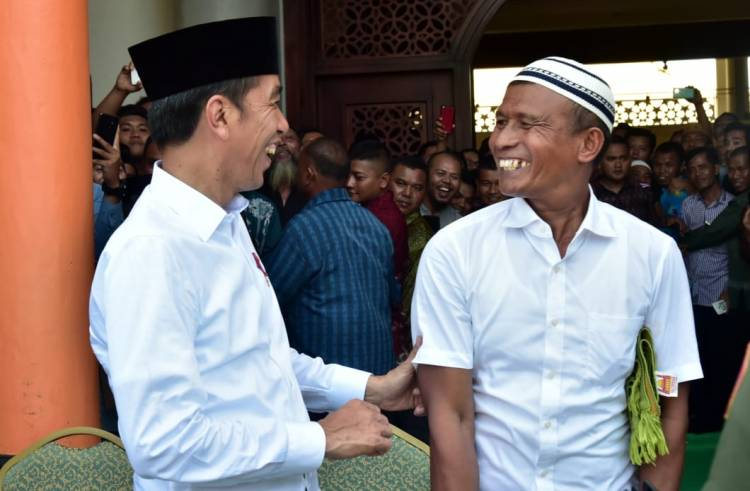 Cerita Menarik Di Balik Kunjungan Presiden Joko Widodo di Masjid Agung Baiturrahman Limboto
