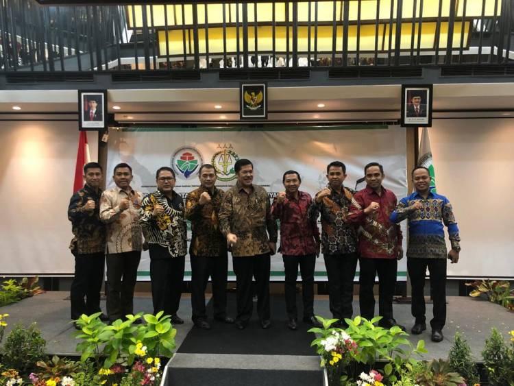Kejari KabupatenGorontalo Dr. Suprianto  Workshop Di Kota Bali