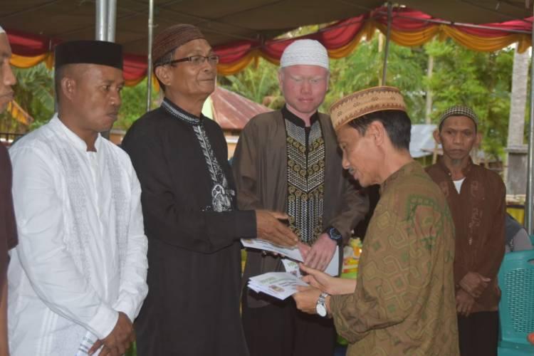 Bupati Nelson Pomalingo Beri Reward  24  Masjid Senilai 120 Juta Di Bulan Ramadhan