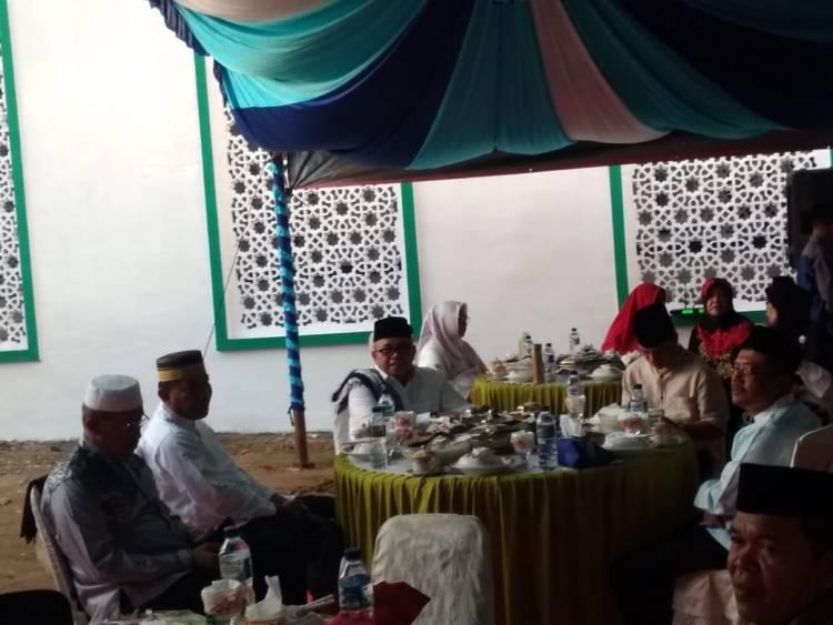 Bupati Depri Pontoh Dan Wabup Amin Lasena Rayakan Hut 12 Dengan Buka Puasa Di Masjid Agung  Baiturrahman Boroko