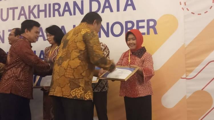 Tepat Waktu Dalam Penyetoran IWP, JKK Dan JKM Pemkab Gorontalo Raih Penghargaan Terbaik Tahun 2019