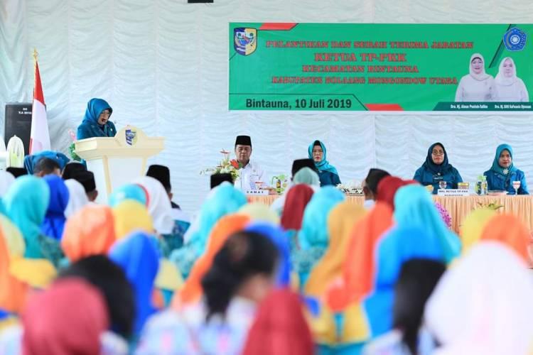 Dra.Hj.Ainun Talibo Lantik Ketua TP PKK Sangkub Dan Bintauna