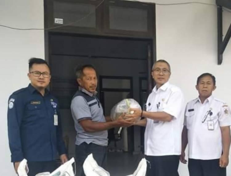 Kelompok Tani Kotamobagu Terima 40.000 Bibit Ikan Patin