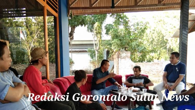 Mahasiswa Gelar Aksi Tolak RUU KUHP Dan Pelemahan KPK Serta Minta Turunkan Presiden Jokowi, Di Tanggapi Ketua Sedulur Gorontalo Dr. Rustam Akili