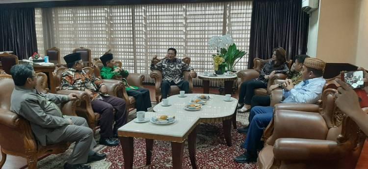 Bupati Nelson Pomalingo Silaturahmi Pada Fadel Muhammad Dan Rahmat Gobel